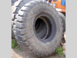 Ostatní Ostatní pneu 16x25 Good Year (zánovní 4638158-238720.jpg