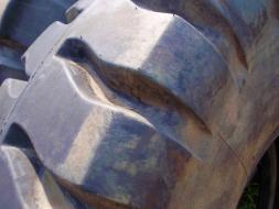Ostatní Ostatní pneu 16x25 Good Year (zánovní 4638159-238720.jpg